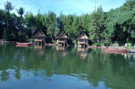 Garut, : Kampung Sampireun Resort &amp; Spa