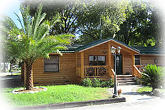 ‪Riverside Lodge RV Resort & Cabins‬