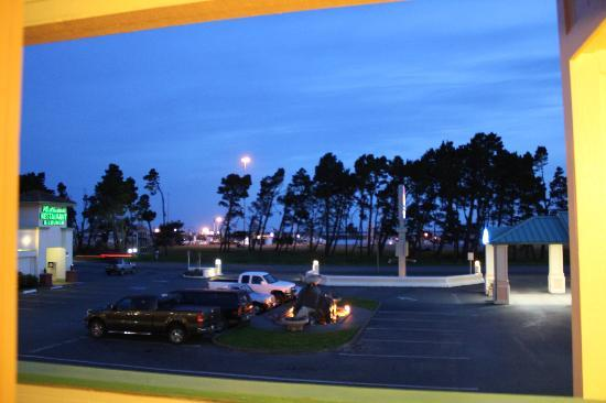 BEST WESTERN PLUS Northwoods Inn: night time, looking out at marina