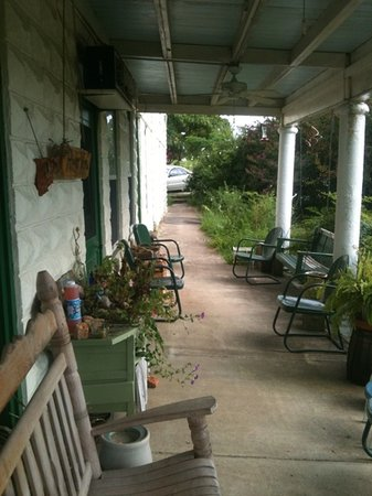 River View Hotel: front porch