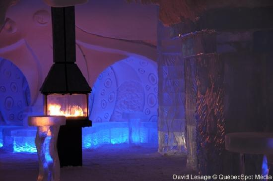 bar de glace 2011 picture of hotel de glace quebec. Black Bedroom Furniture Sets. Home Design Ideas