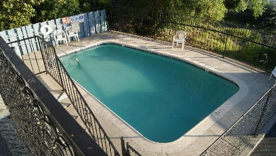 Lakeside Swimming Pool Picture Of Americas Best Value Inn Suites Clearlake Tripadvisor