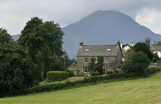 The Old Manse: Victorian Manse on the edge of Gartmore Village