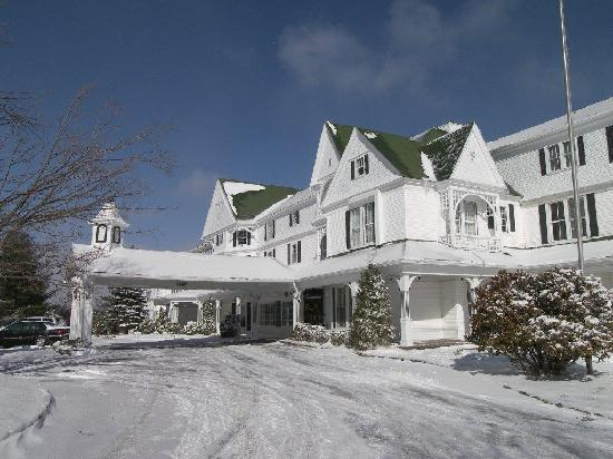 Blowing Rock, NC: Winter at The Green Park Inn
