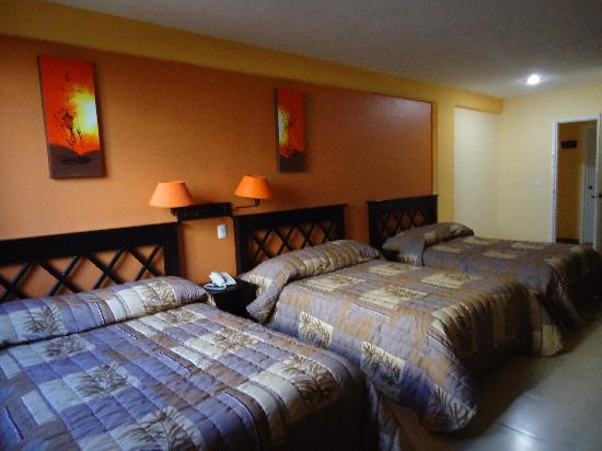 Hotel Plaza Mirador: CONFORTABLES HABITACIONES