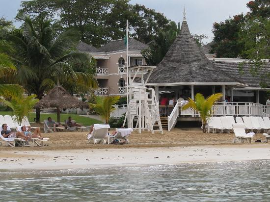 Beach Bar and Grill at Couples Sans Souci