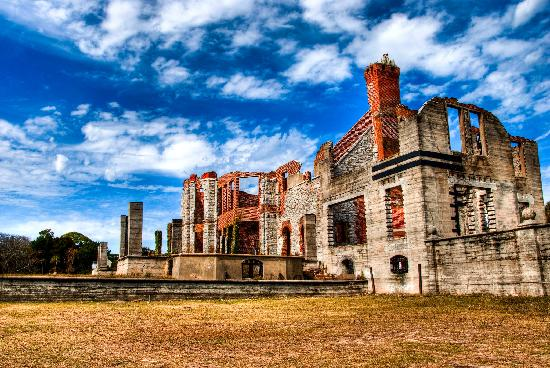 Cumberland Island, GA: abandoned estate on island