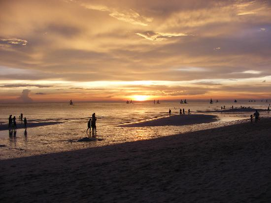 Boracay Regency: Sunset at Baroacy beach