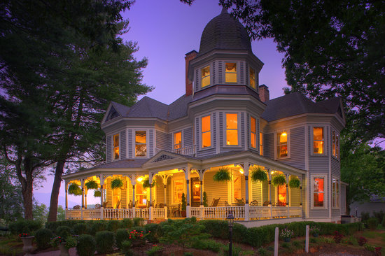 Biltmore Village Inn Luxury Bed &amp; Breakfast