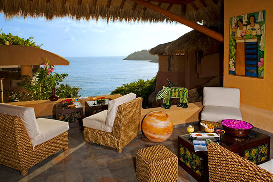 La Casa Que Canta: View from our palapa lounge