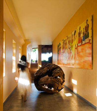 La Casa Que Canta: Our one-of-a-kind sculpture