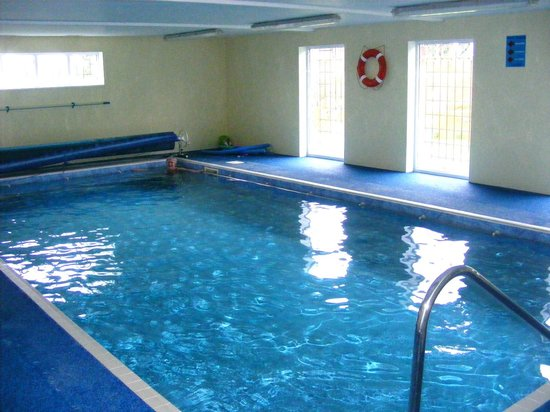 Houses With Indoor Swimming Pools Memes