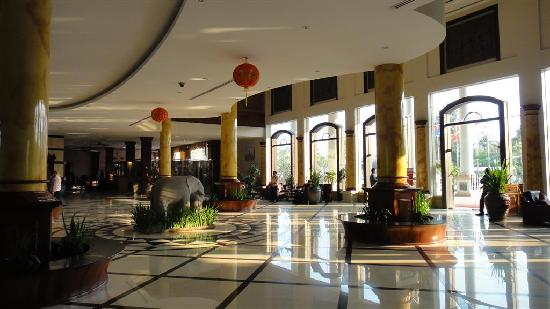 Pacific Hotel & Spa: The lobby