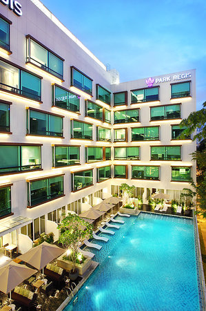 Park Regis Singapore: Hotel Facade
