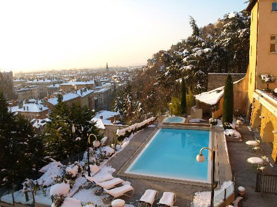 Villa Florentine: la piscine dans la neige