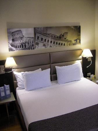 Eurostars Roma Aeterna: Big and comfortable double bed