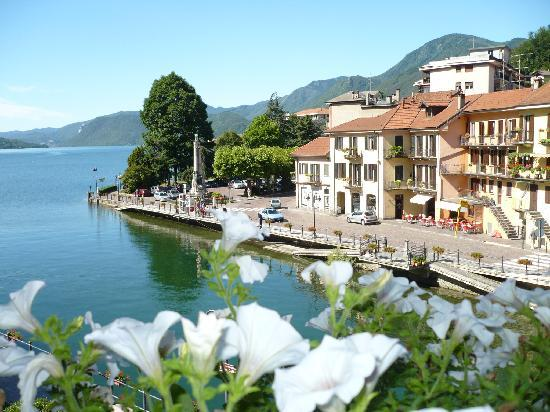 Omegna, Италия: View from a lake-side room
