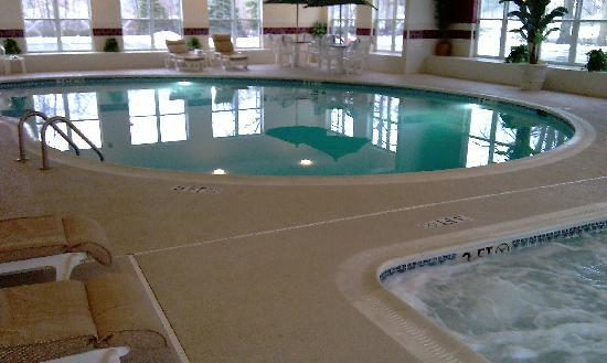 Country Inn & Suites Columbus Airport East: The Pool