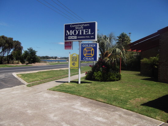 Cunningham Shore Motel