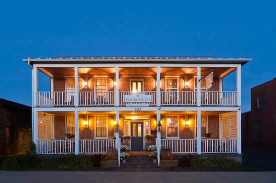 Patchwork Inn : Lodging in casual elegance. 
