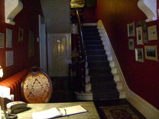 Davies House Bed and Breakfast: Lobby