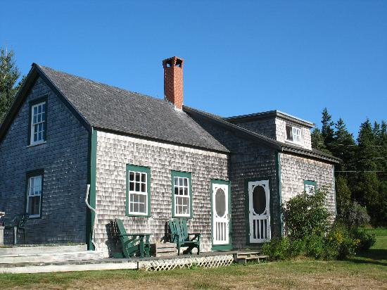 Inn at Whale Cove Cottages: Coopershop