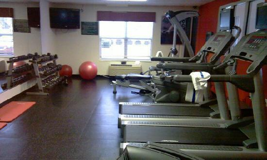 Country Inn & Suites Columbus Airport East: Fitness center