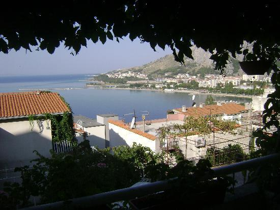 Hoteles en Omis