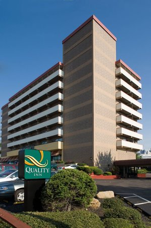 ‪Quality Inn University Center‬