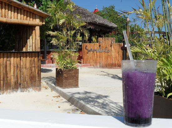 Sandals Carlyle Inn: Purple Rain,....yummy!