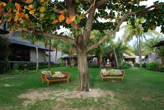 LUX* Le Morne: Relaxing areas away from the beach when you've had too much sun