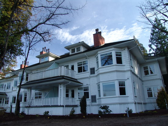 Photo of Crown Mansion Boutique Hotel & Villas Qualicum Beach