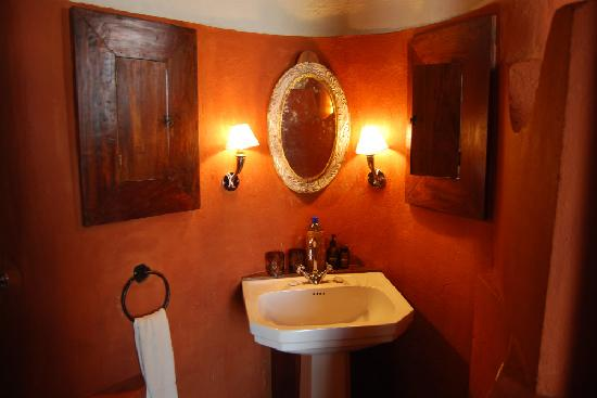 andBeyond Ngorongoro Crater Lodge: La salle de bain