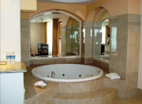 Hotel Ticuan: Jacuzzi Suite