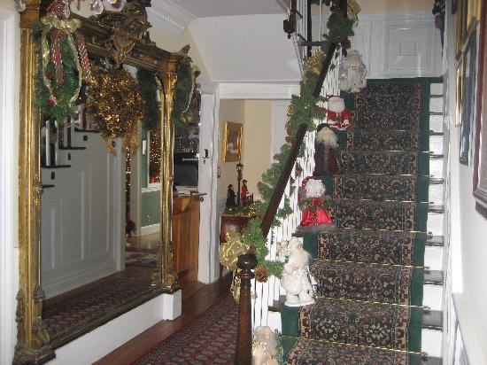 Middleburg Country Inn: another time  (Christmas)