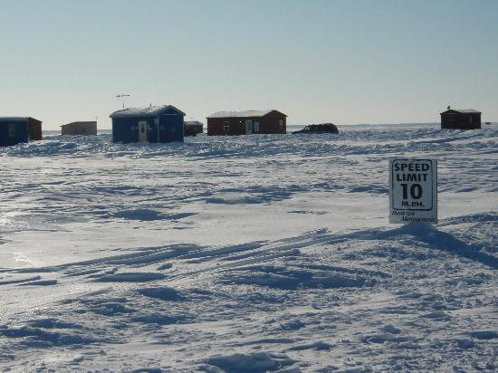 Upper level toucan 39 s picture of fishermen 39 s wharf resort for Mille lacs ice fishing rentals
