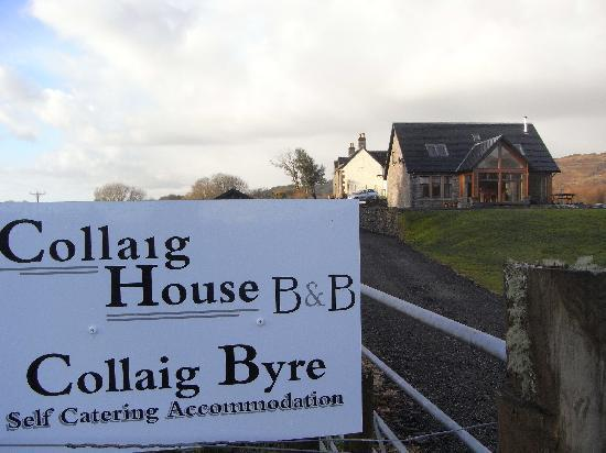 Collaig House Luxury B&B: phot showing the luxury s/catering byre in the foreground with the farmhouse (B&B) accom in the