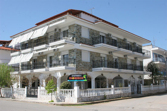 Dionisos Apartments