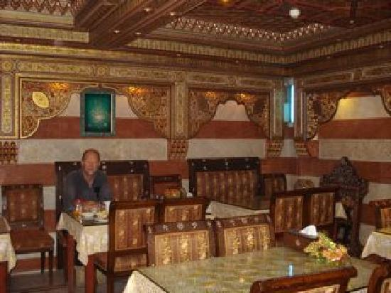 Al-Madinah / City Hotel: Breakfast room