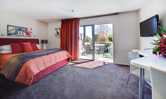 Century Park Motor Lodge: Deluxe Studio, Motels in Nelson New Zealand.  Century Park