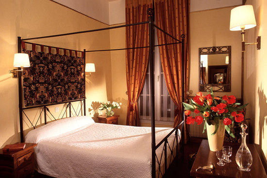 Hotel Saint Paul Rive Gauche : Romantic 4poster room 