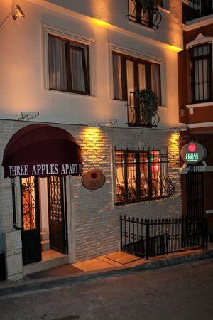 ‪Three Apples Suites‬