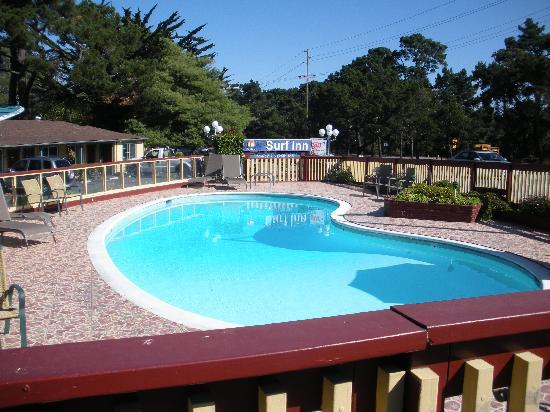 Monterey Surf Inn: Pool!