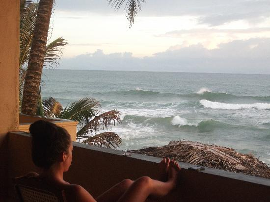 Hikkaduwa, Sri Lanka: Watching the sunset at drifters