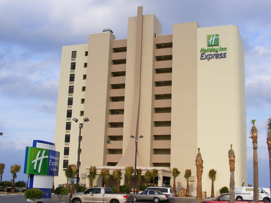 Holiday Inn Express and Suites Oceanfront Hotel
