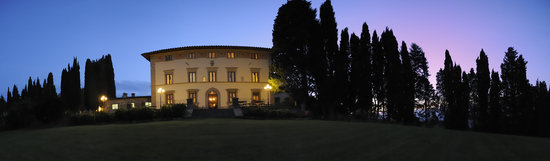 Villa Campestri Olive Oil Resort: Un Magico Tramonto d&#39;Estate