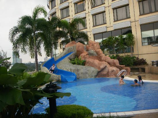 One World Hotel: The kid's pool