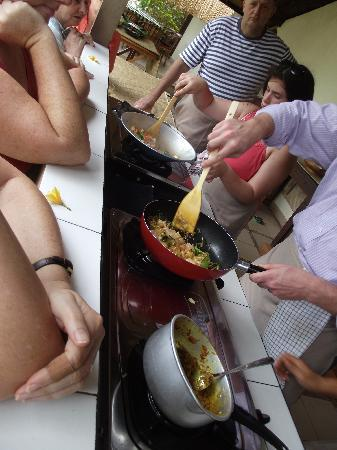 http://media-cdn.tripadvisor.com/media/photo-s/01/c8/05/4a/paon-bali-cooking-class.jpg