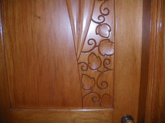 Tuguegarao City, Filipinas: Door Detail of the Hotel