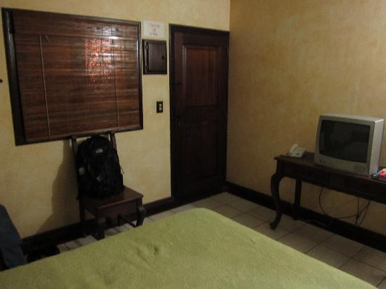 Aparthotel Plaza y Colonial: Room 2